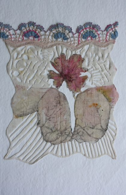 textile découpé gravure